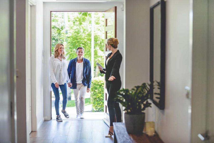 10 Tips for Starting Your New Career as a Real Estate Agent