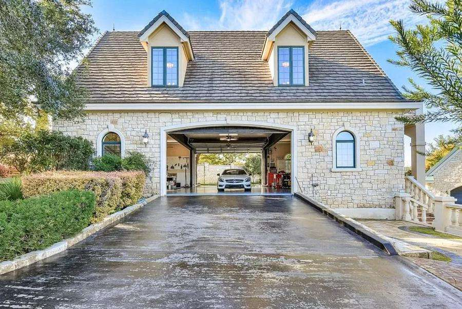 Austin Lakefront Properties Perfect for Boat Lovers