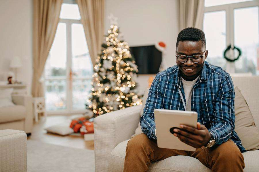 How to Write the Perfect Holiday Card for Clients